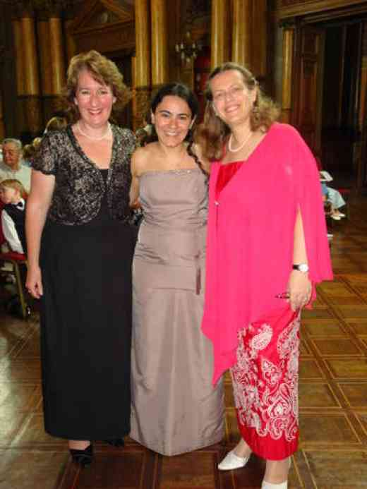 Katrina Pezzimenti, Analia Capponi-Savolainen and Dr. Päivi Kukkamäki just before the final concert of the 7th Suzuki Voice International workshop