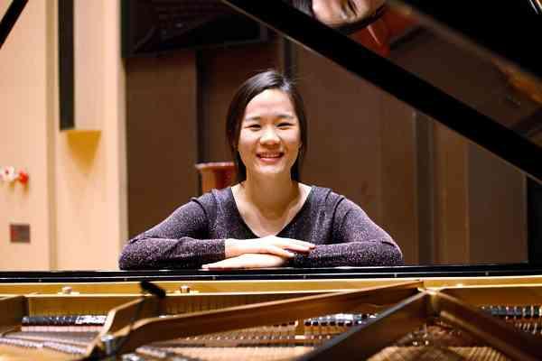Rebekah Lau