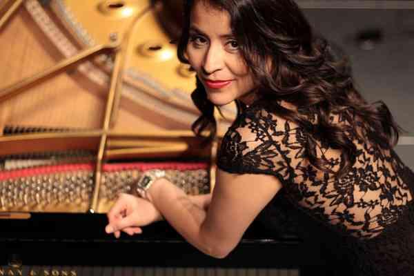 Julia Valero