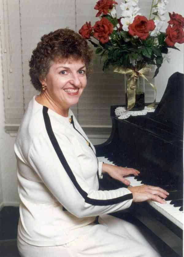 Maxine Casper