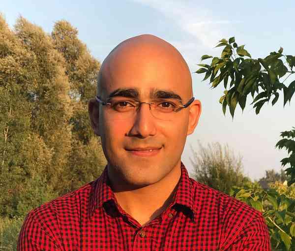 Mani Mirzaee