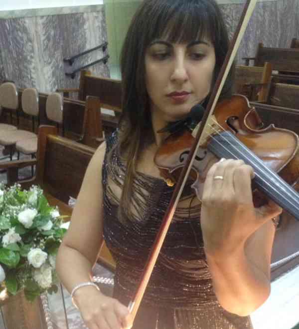 Yara Alves Antoniolli