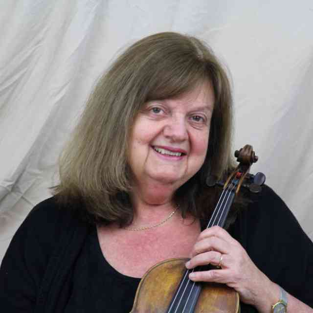 Teri Einfeldt Honored at Hartt Suzuki Strings 25th Anniversary Celebration