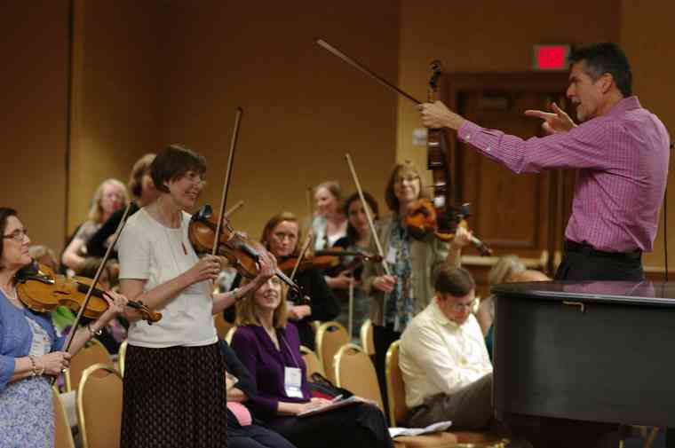 Allen Lieb gives a session on the revised violin books at the 2012 conference