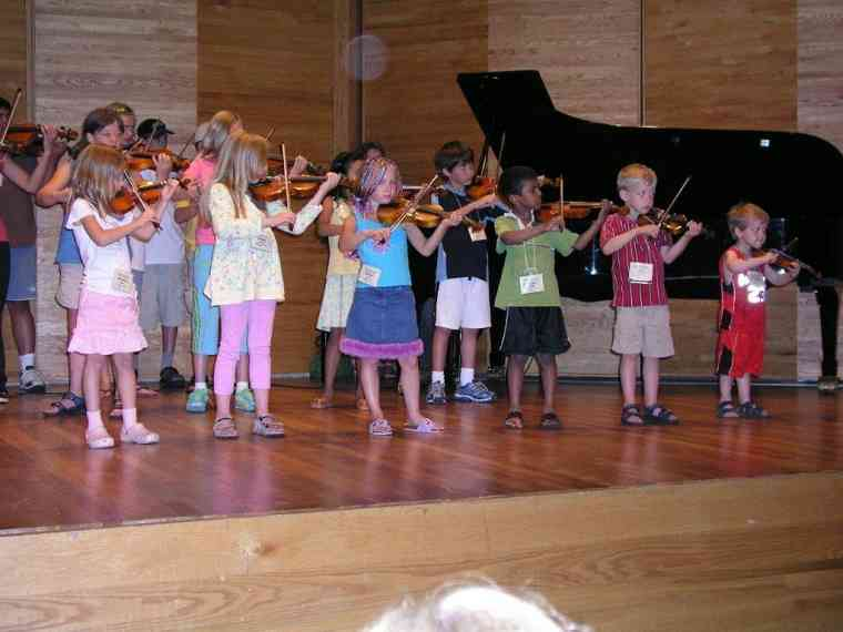 Violin group concert at Brandon Suzuki Institute