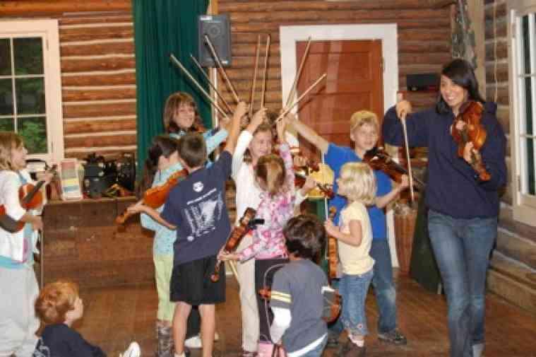 Violin group class at Ogontz Suzuki Institute