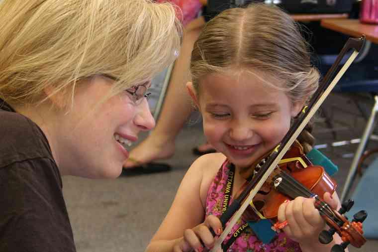 Violin lesson at Ottawa Suzuki Institute
