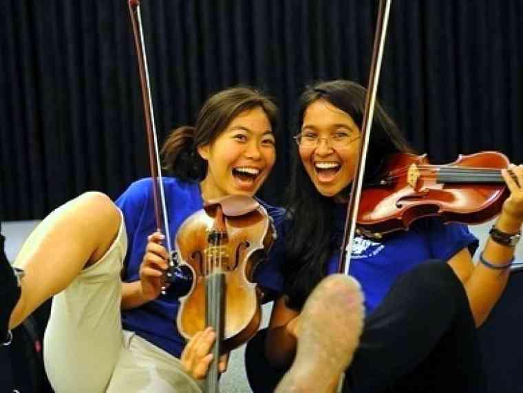 Violin students at Hawaii Suzuki Institute