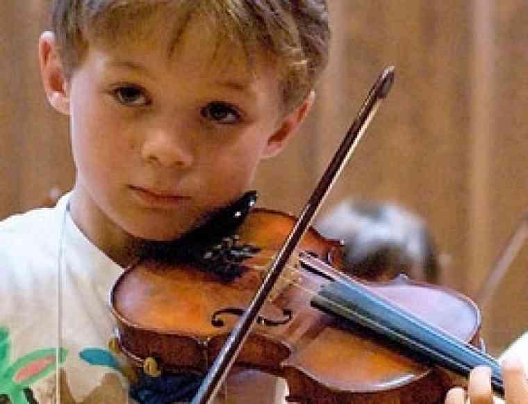 Violin student at Japan-Seattle Suzuki Institute
