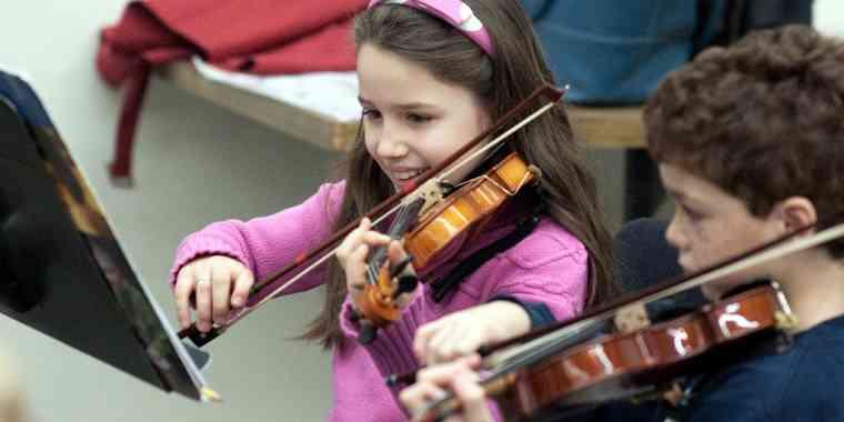 Violin students at Northwest Suzuki Institute