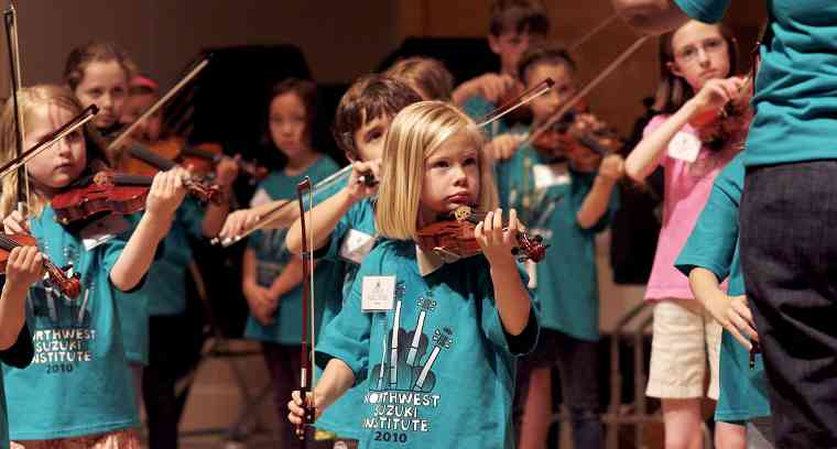 Violin group class at Northwest Suzuki Institute