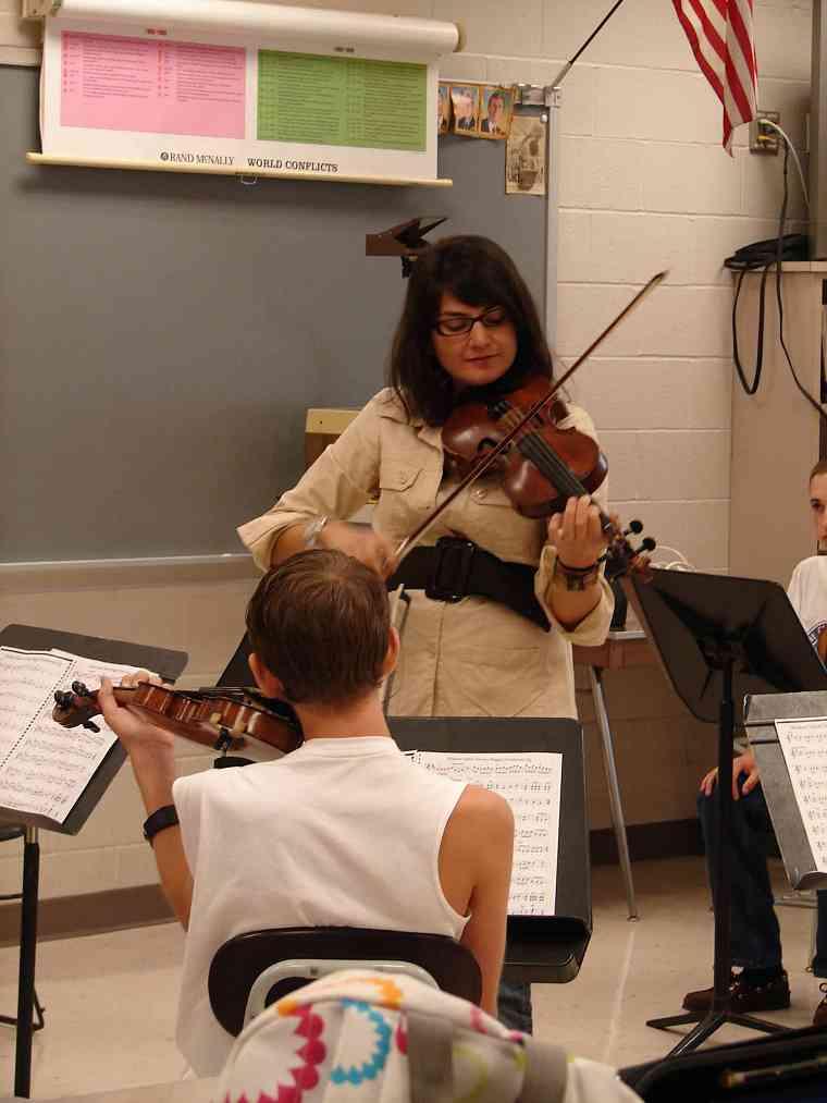 Violin class at Greater Pittsburgh Suzuki Institute