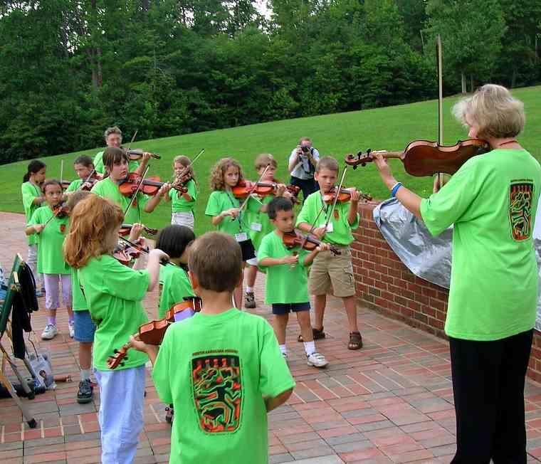Violin group class at South Carolina Suzuki Institute