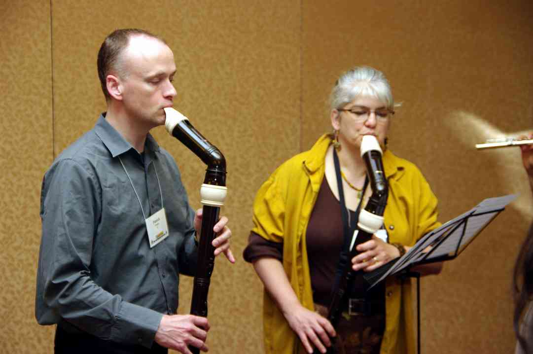 Patrick O'Malley and Kathleen Schoen at a flute and recorder playing session at the 2010 Conference