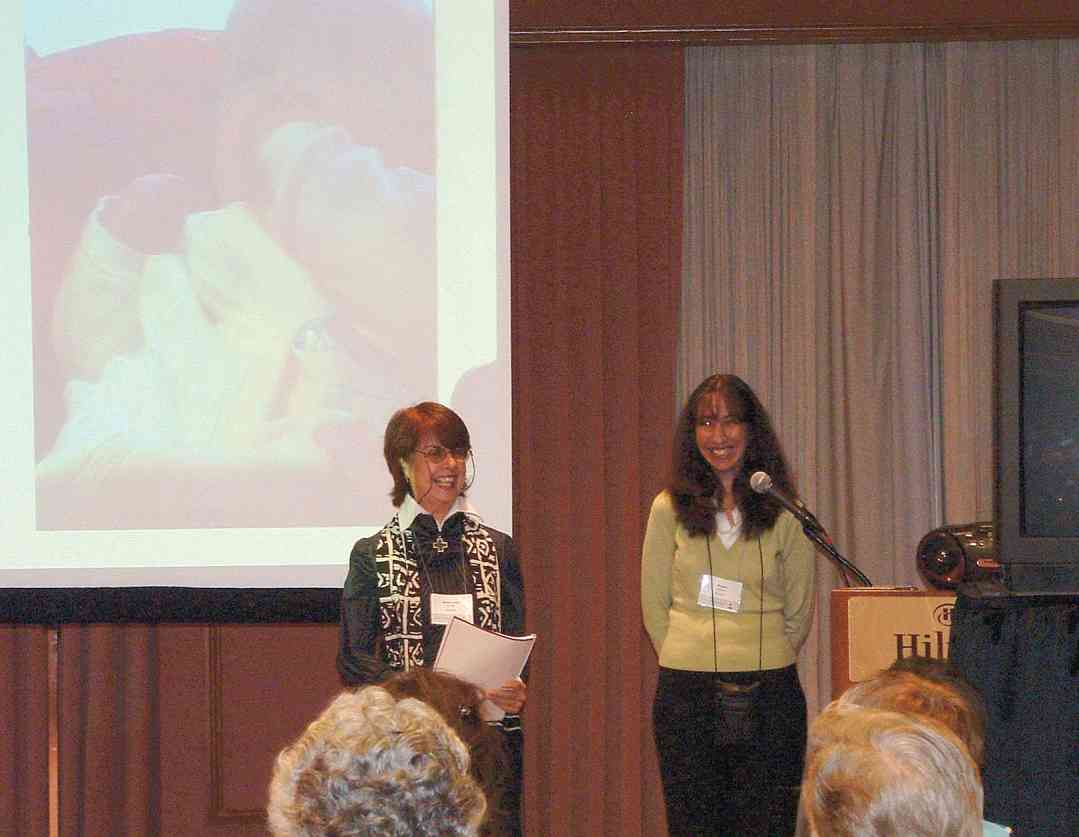 Roxana del Barco and Maria Luisa Del Rio at the 2004 SAA Conference