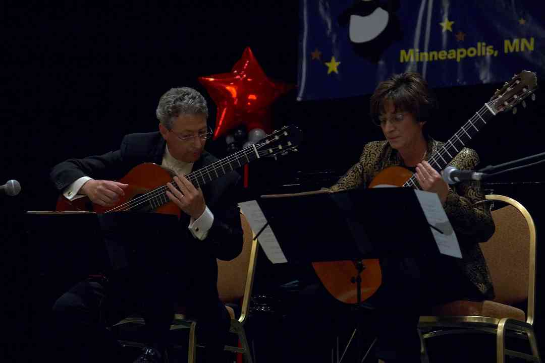 Michael Andriaccio and Joanne Castellani perform in the Gala Clinicians Concert at the 2006 SAA Conference