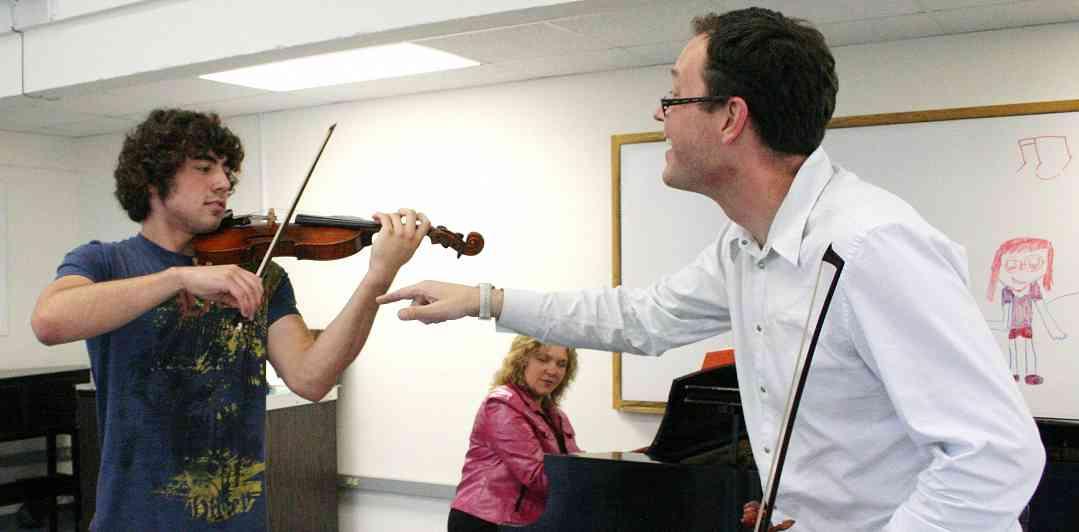 Brian Lewis teaching at Ottawa Suzuki Institute