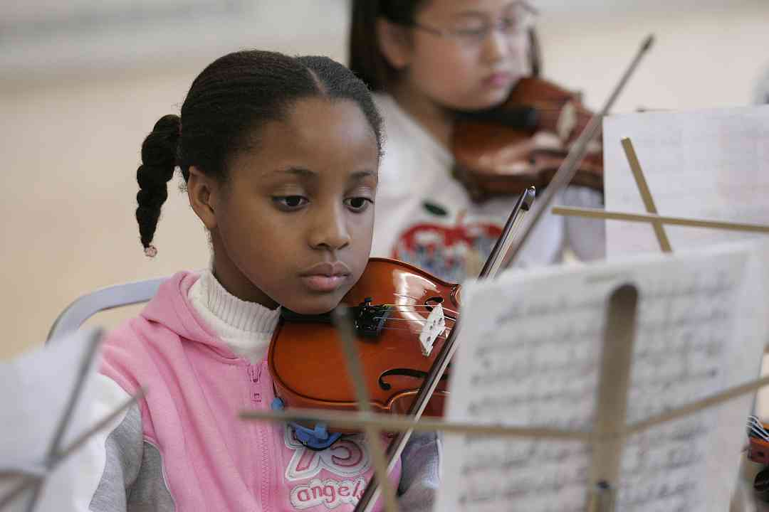 Violin students at Greater Philadelphia Suzuki Institute