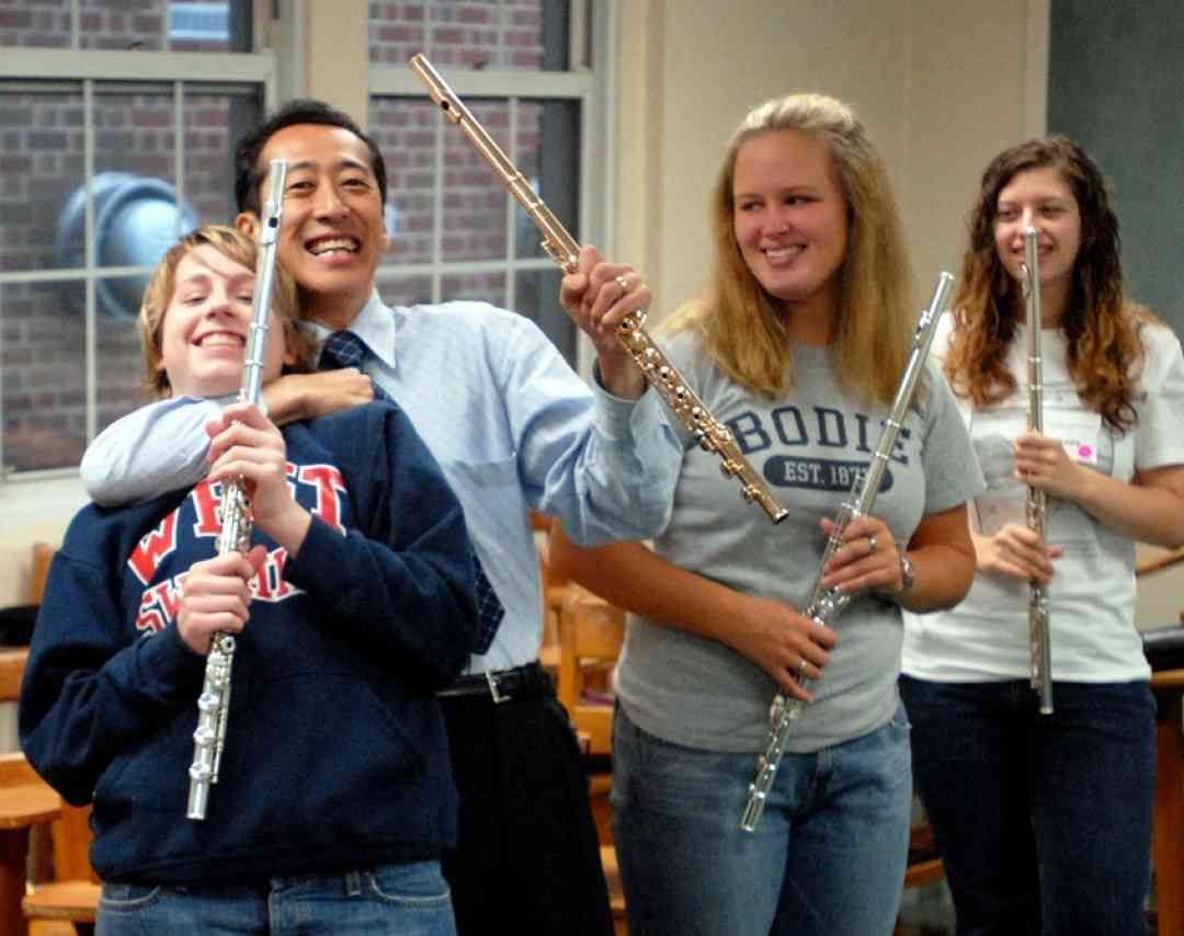 Kenichi Ueda and students at East Tennessee Suzuki Flute Institute
