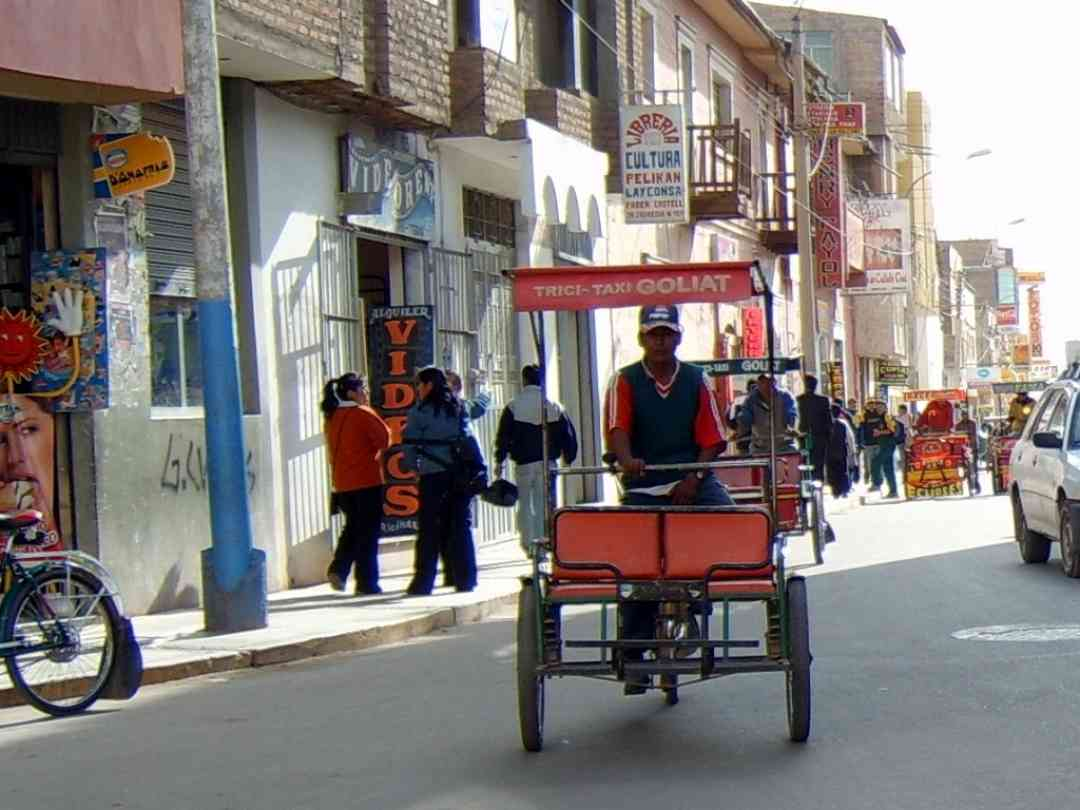 Tricycle taxi in Juliaca