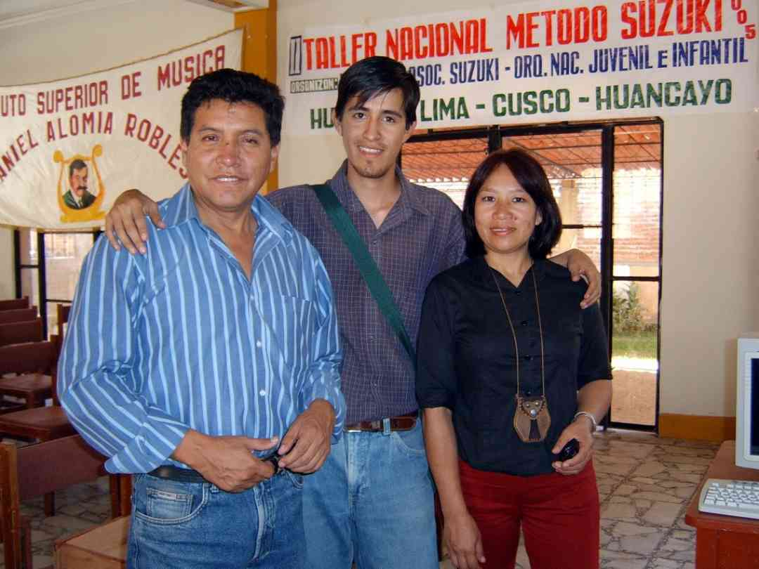 Teacher Wilifredo Tarazano with Huánuco organizers, Cristian Cachay and Rosario Kong