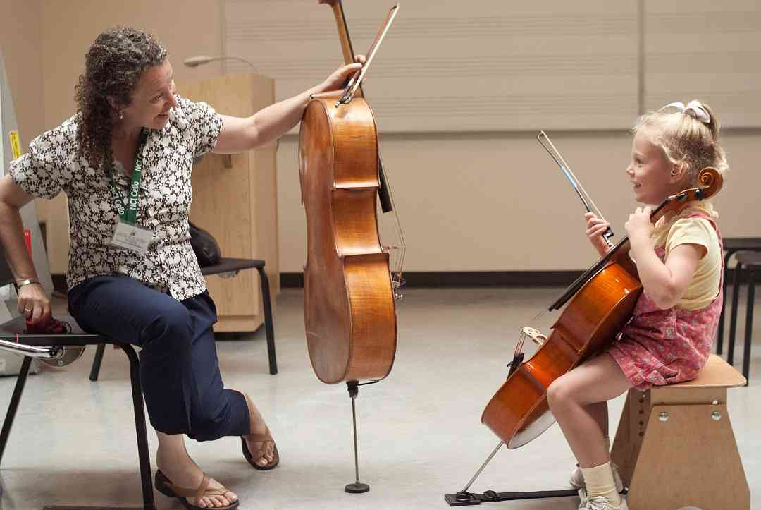 Cello lesson at Northwest Suzuki Institute with Beth Goldstein-McKee