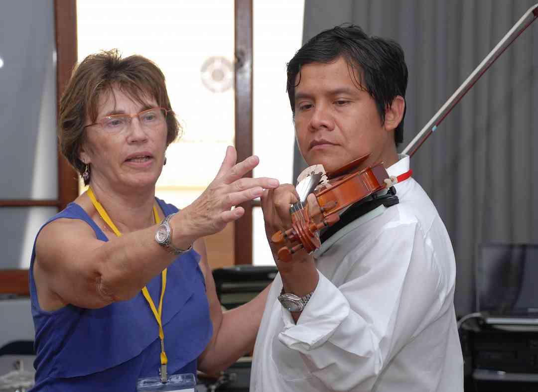 Nancy Lokken and Peruvian teacher