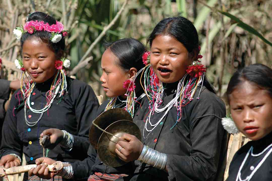 Eng women, Festival of the Hunt, Calling Spirits, Keng Tung, Myanmar/Burma, 2005