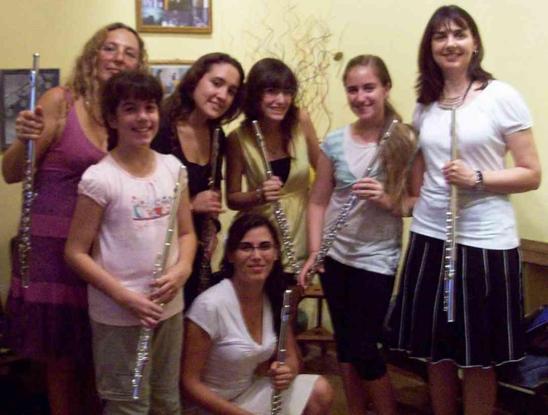 Laurel Ann Maurer, Mariana Capponi, and Suzuki flute students in La Plata, Argentina.
