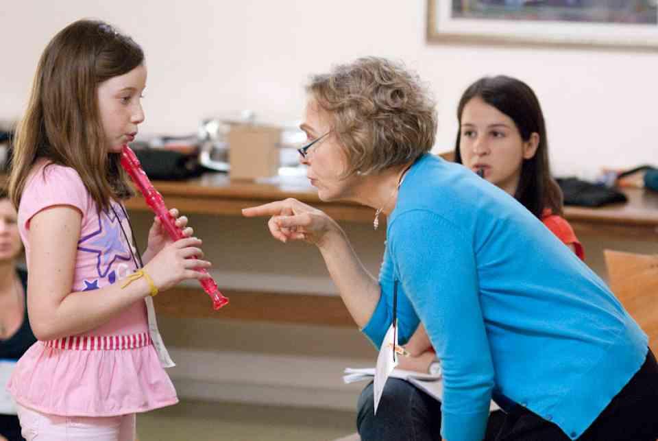 Mary Halverson Waldo teaches recorder in Brazil