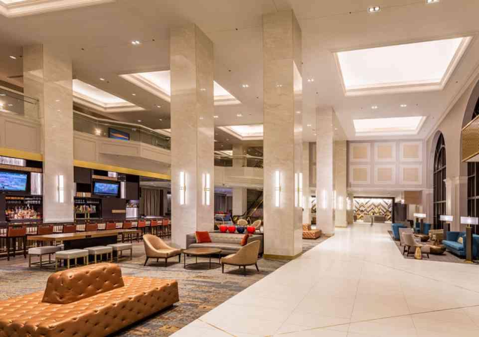 Hilton Minneapolis Lobby