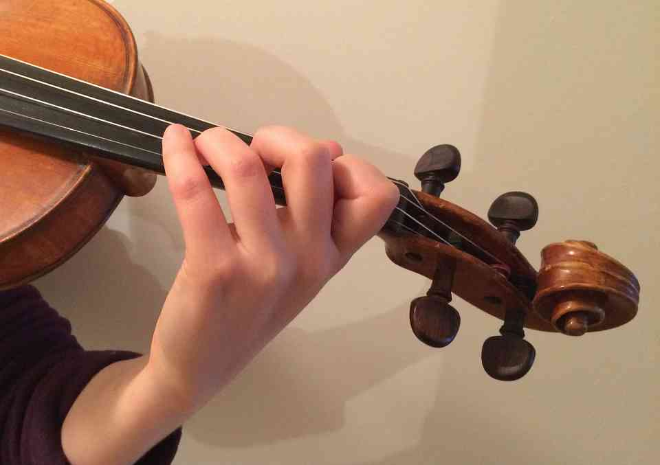 left hand violin technique