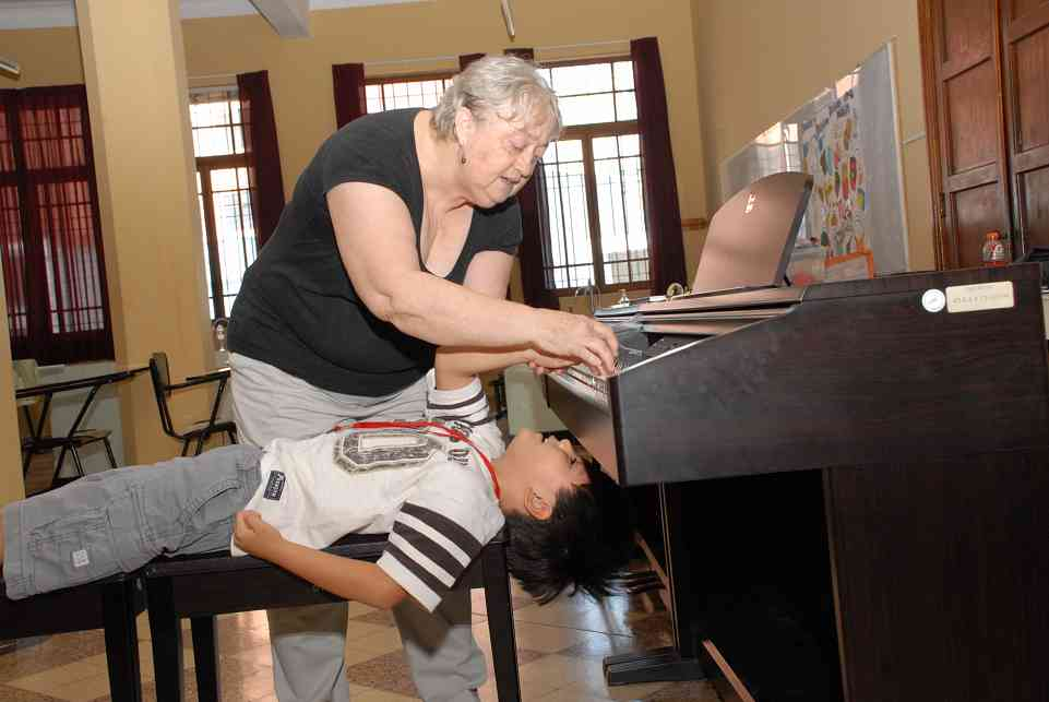 Roberta and upside down student