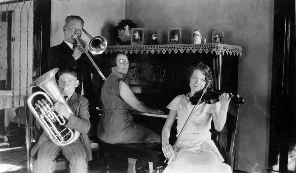 Farnum Family Band