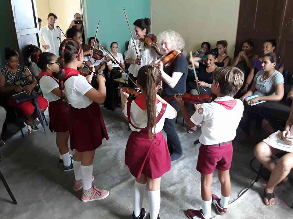 Group class with Caroline Fraser and Renata Jordao