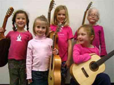 Suzuki guitar girls