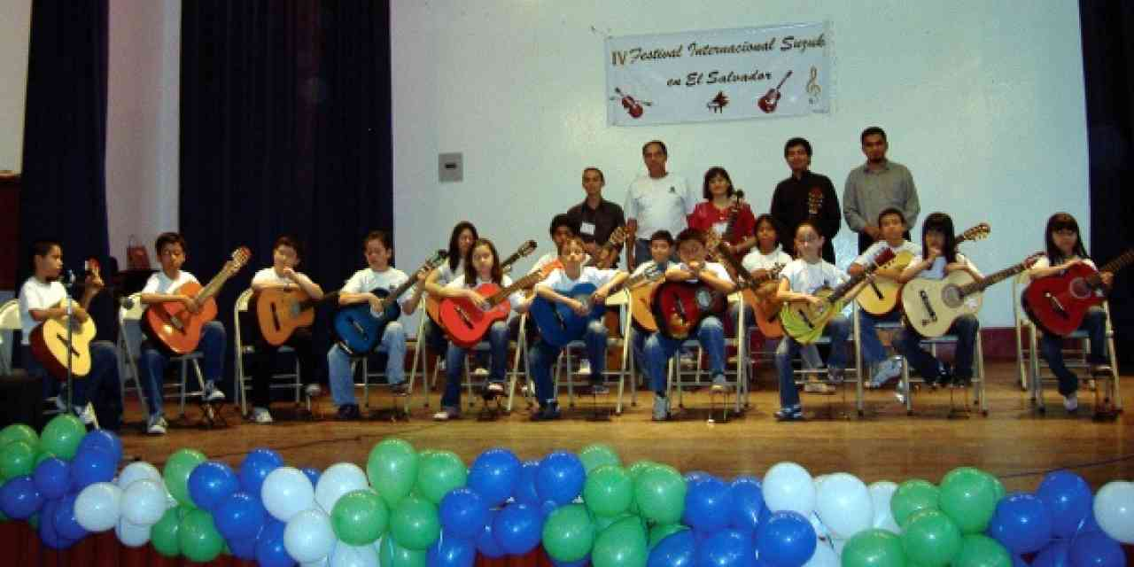 Final guitar concert at the IV Festival Internacional Suzuki en El Salvador