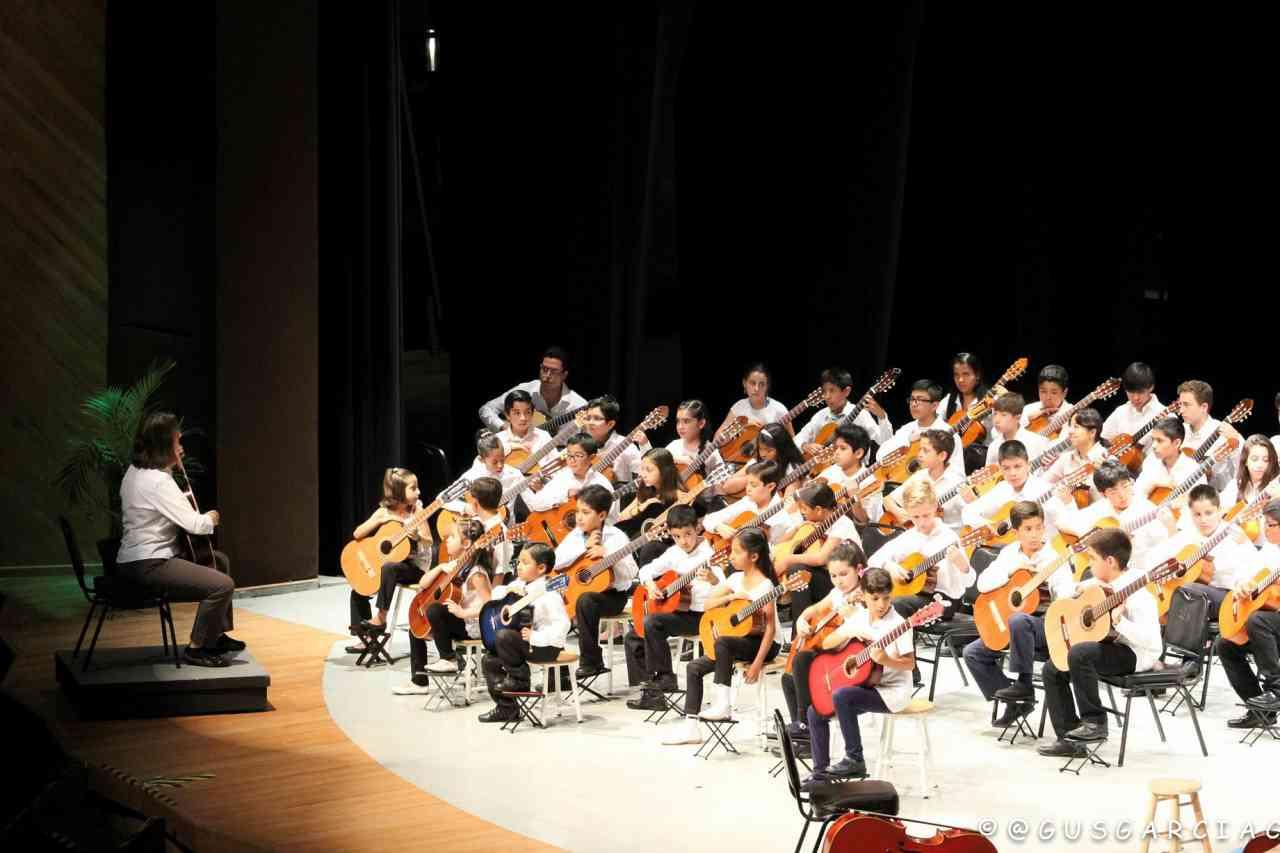 Mexico Encuentro Guitarists